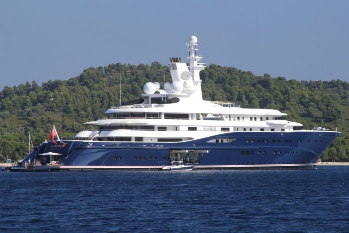 Katar Emiri, World Famous Yacht'ta Skiathos'a Geliyor (video)