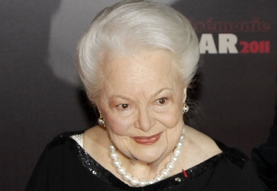 Olivia de Havilland, Feud üzerinden FX dava açtı: Bette ve Joan